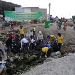 Lắp đặt 15 thùng rác tại bãi biển