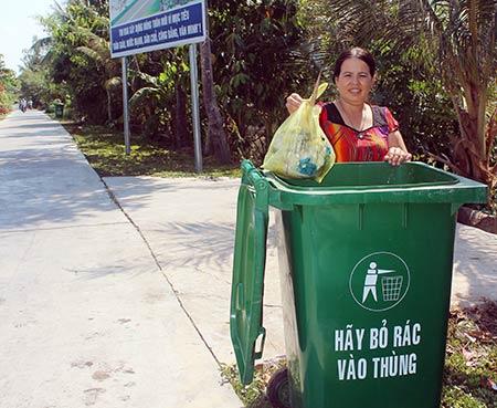 Hình ản đoạn đường nhà chị Hiền sau khi có thùng rác