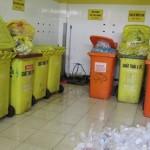 Thùng rác nhựa ở bệnh viện