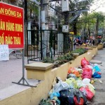 Vứt rác bừa bãi