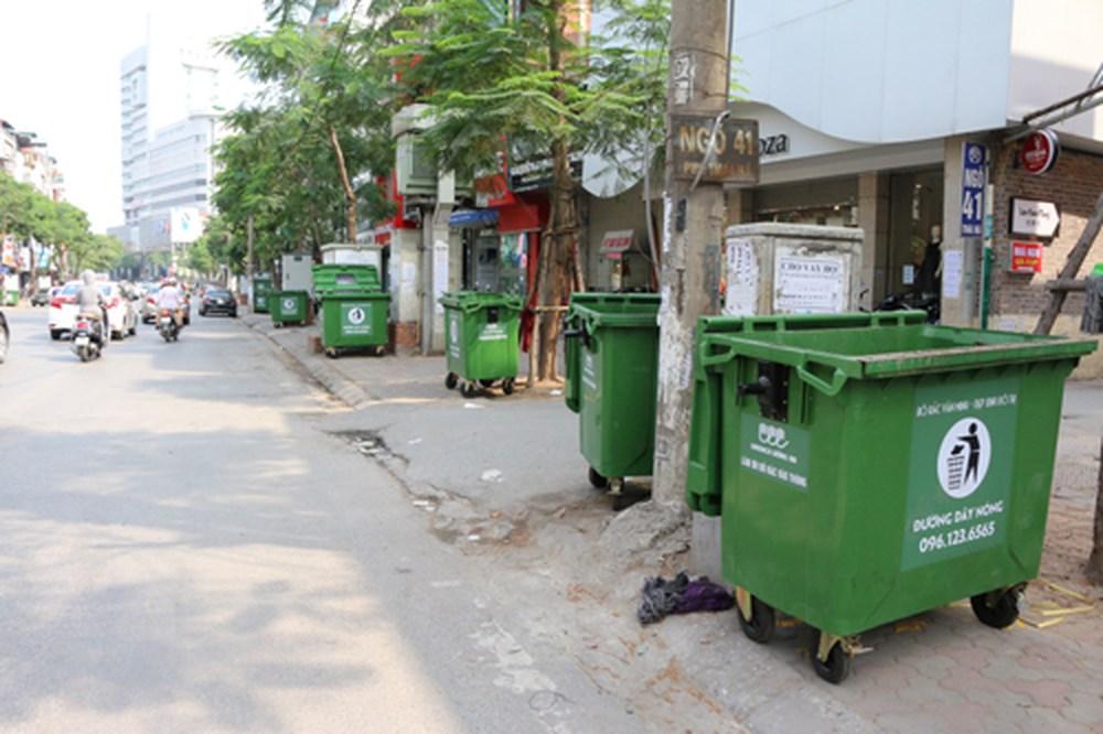 thùng rác nhạp khẩu công cộng