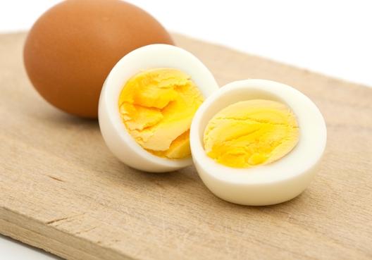 Công dụng của trứng với sức khỏe phụ nữ tuổi trung niên