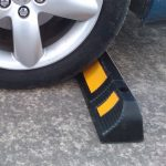 gờ chặn bánh xe bến bãi