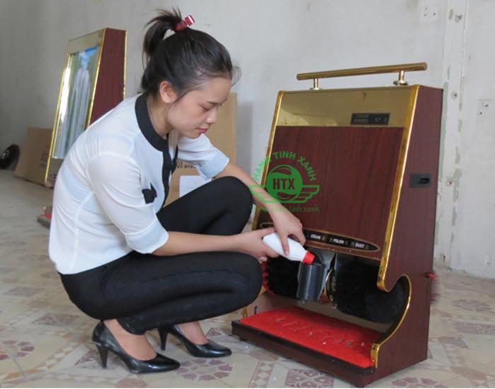 Huớng dẫn đổ xi cho máy đánh giày