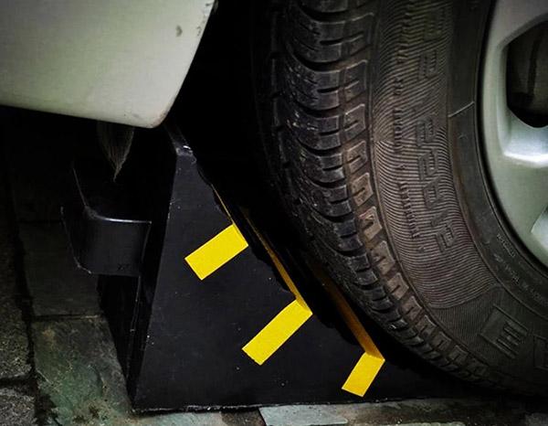 Cục chặn bánh xe di động bằng cao su