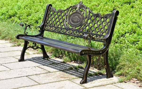 Ghế công viên gang đúc tạo nên sự khác biệt cho không gian