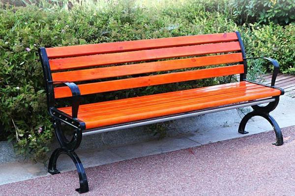 Ghế ngoài trời là sản phẩm hoàn hảo gắn kết con người với thiên nhiên