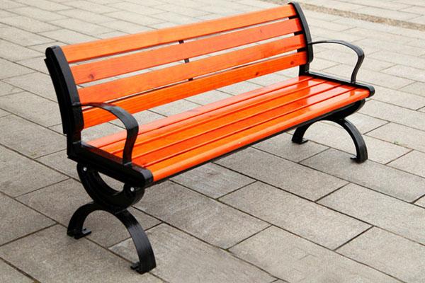 Có nên mua ghế ngoài trời giá rẻ không?