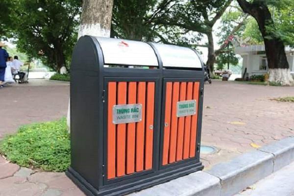 Thùng rác inox 2 ngăn - hiệu quả thu gom rác nơi công cộng