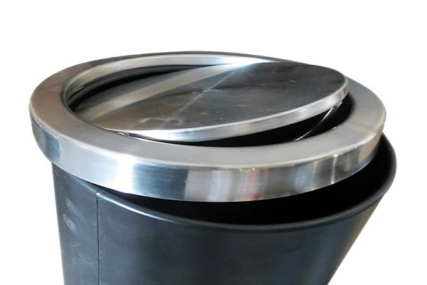 Thùng rác có nắp lật xoay 360 độ tiện lợi