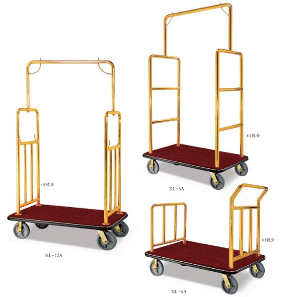 Xe đẩy hành lý inox đã qua sử dụng có giá thành đắt - rẻ khác nhau