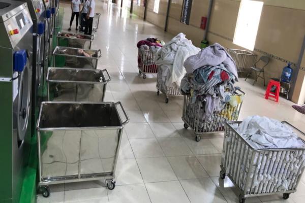 Xe giúp cho các khách sạn thu gom đồ giặt là nhanh chóng và chuyên nghiệp hơn