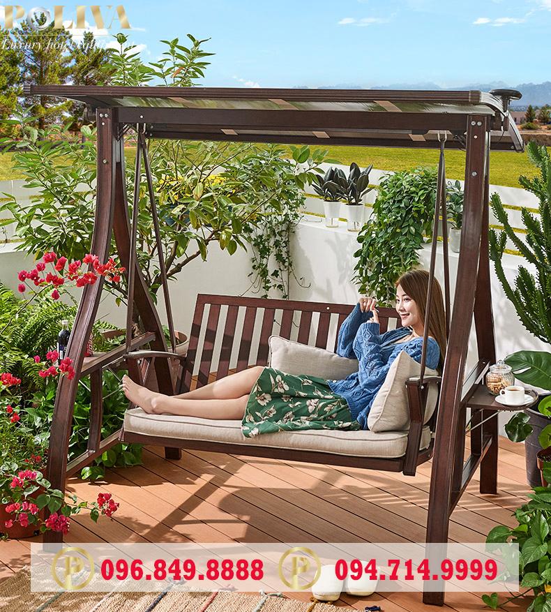 Nên trang trí sân vườn bằng xích đu như nào cho hợp lý?