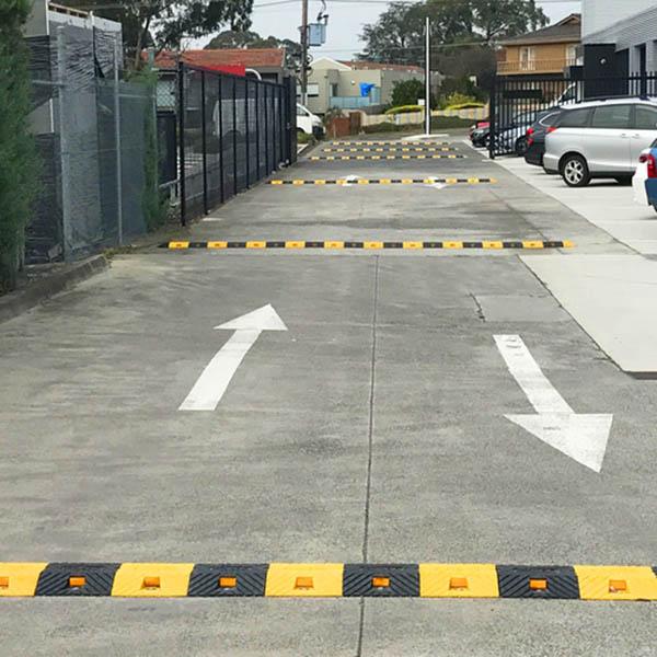 Lắp đặt các loại gờ giảm tốc độ theo vị trí và các loại phương tiện thường lưu thông qua