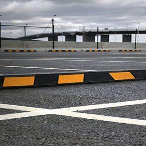 Cục chặn bánh xe bằng chất liệu cao su cao cấp