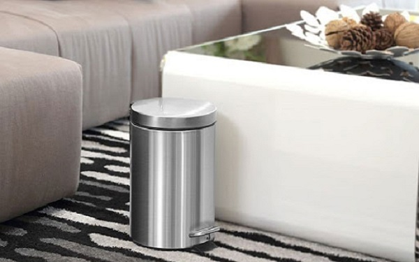 Thùng rác inox sáng bóng, thiết kế đẹp mắt hài hòa với mọi không gian