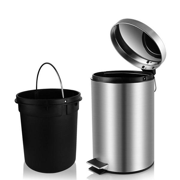 Thùng rác có cấu tạo nhỏ gọn, tiện lợi và thông minh
