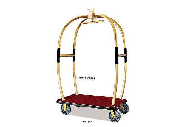 Có thể dùng phèn chua để tẩy vết gỉ sét trên xe đẩy hành lý inox mạ vàng