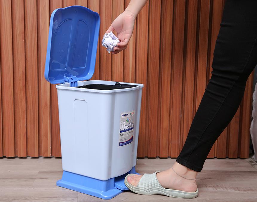 Lý do các hộ gia đình nên dùng thùng rác đạp chân