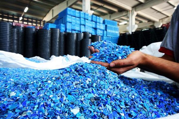 Tác dụng của nhựa nguyên sinh và nhựa tái sinh