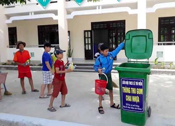Cách bài trí thùng rác tại trường học sao cho phù hợp
