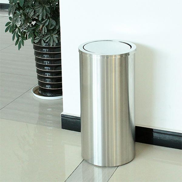 Điểm danh 3 mẫu thùng rác thường đặt tại thang máy