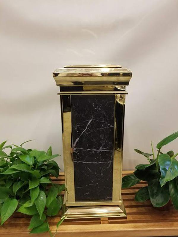 vệ sinh thùng rác đá hoa cương đơn giản mà hiệu quả